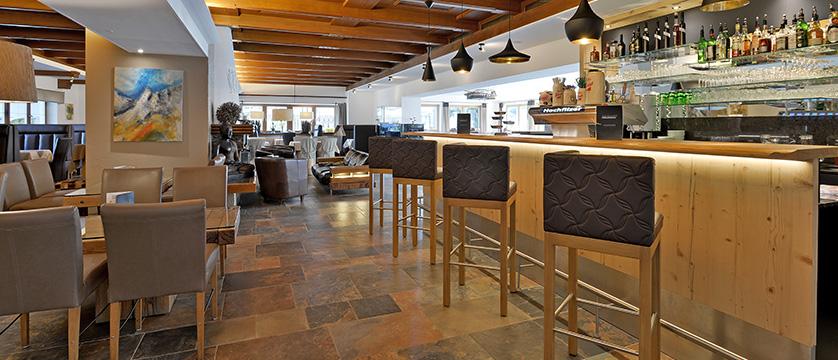 Hotel Hochfilzer, Ellmau, Austria - Bar & lounge area.jpg